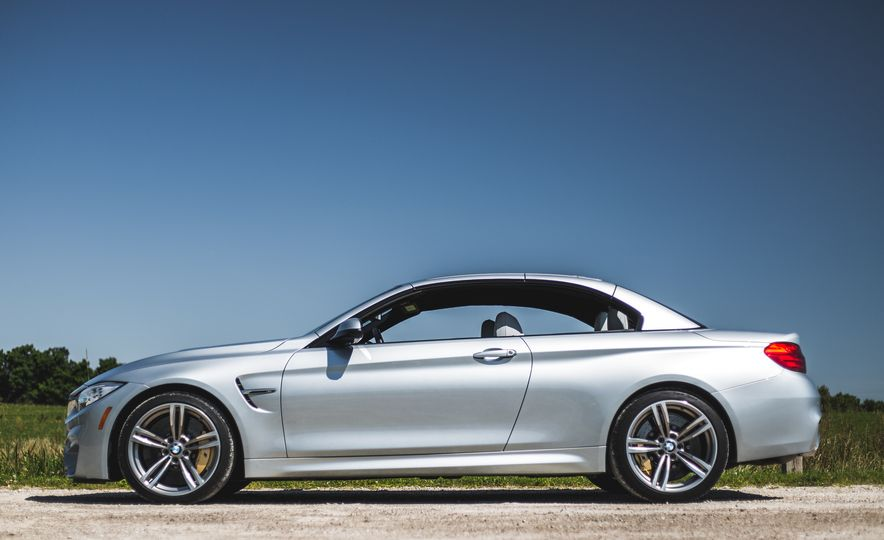 2015 BMW M4 convertible - Slide 16