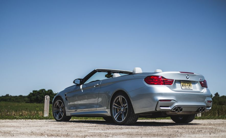 2015 BMW M4 convertible - Slide 17