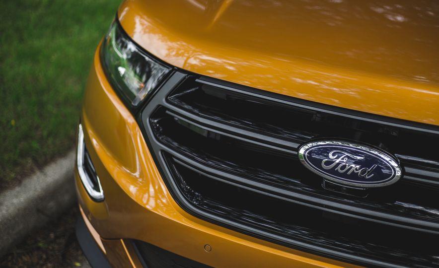 2015 Ford Edge 2.7L EcoBoost AWD - Slide 14