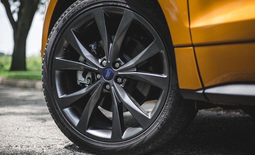 2015 Ford Edge 2.7L EcoBoost AWD - Slide 16