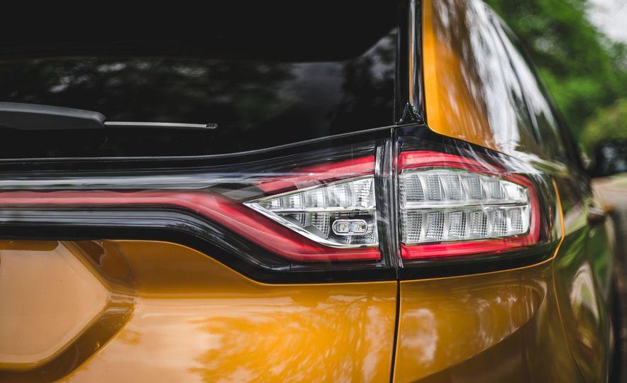 2015 Ford Edge 2.7L EcoBoost AWD - Slide 18