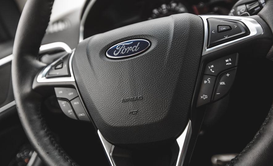 2015 Ford Edge 2.7L EcoBoost AWD - Slide 29
