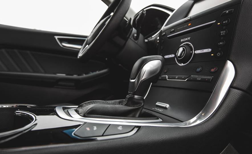 2015 Ford Edge 2.7L EcoBoost AWD - Slide 35