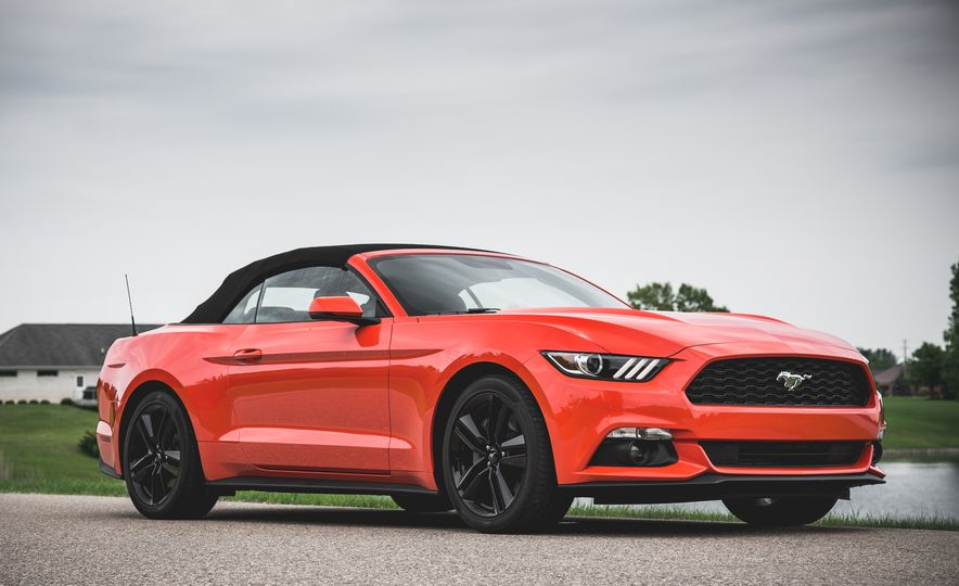 2015 Ford Mustang 2.3L EcoBoost convertible - Slide 11