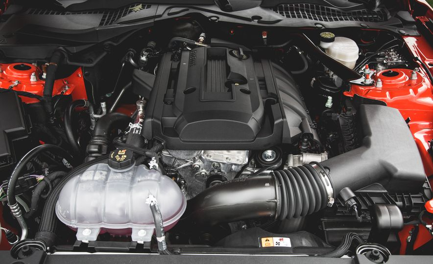 2015 Ford Mustang 2.3L EcoBoost convertible - Slide 36