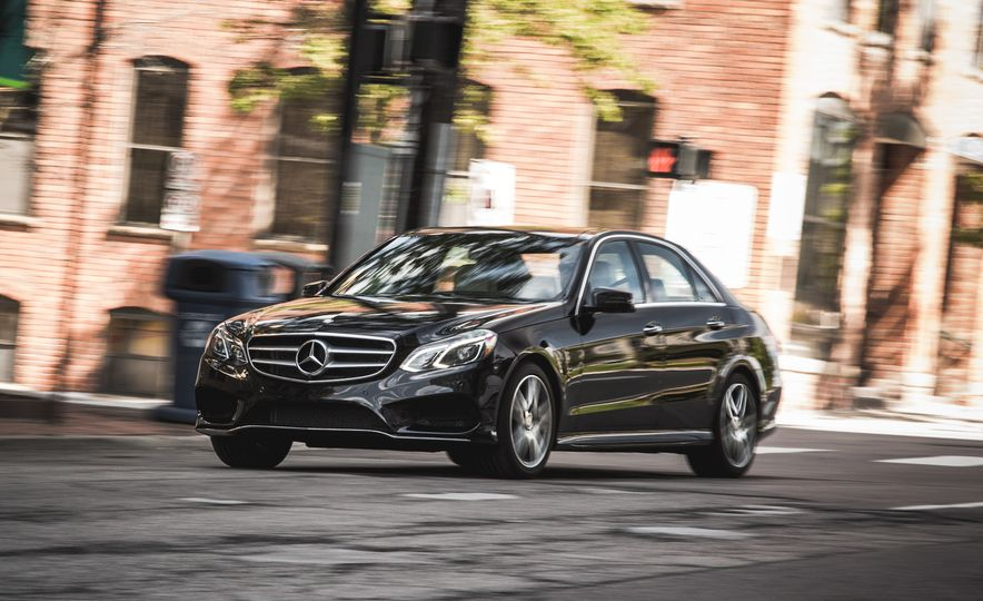 2015 Mercedes-Benz E400 4MATIC - Slide 2