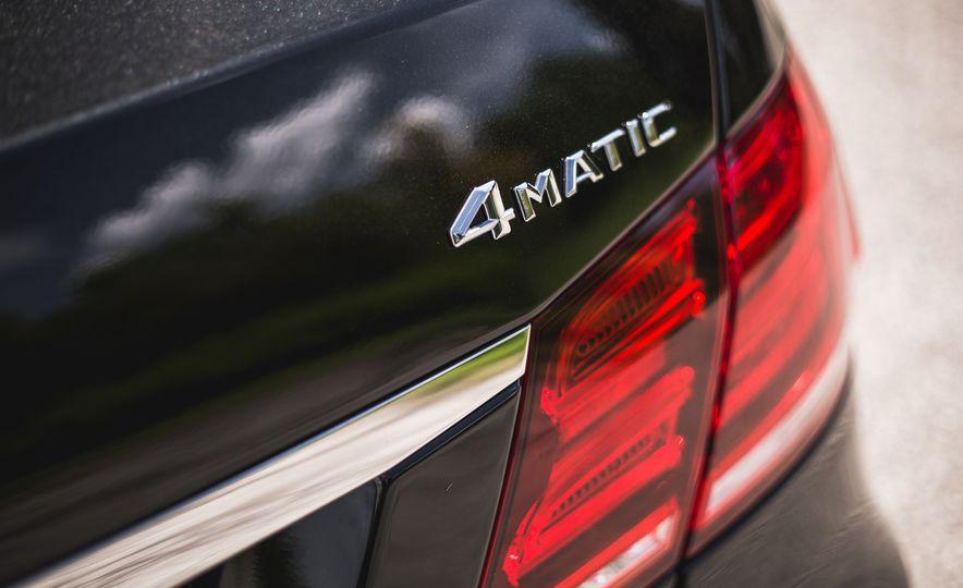 2015 Mercedes-Benz E400 4MATIC - Slide 18