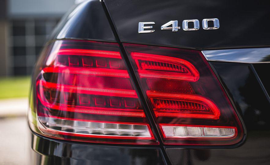 2015 Mercedes-Benz E400 4MATIC - Slide 19