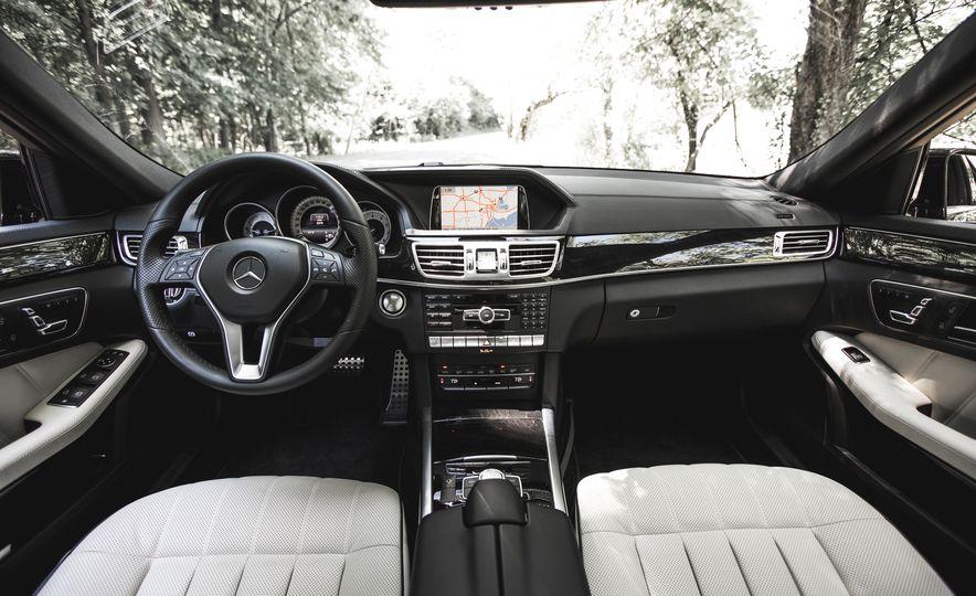 2015 Mercedes-Benz E400 4MATIC - Slide 21
