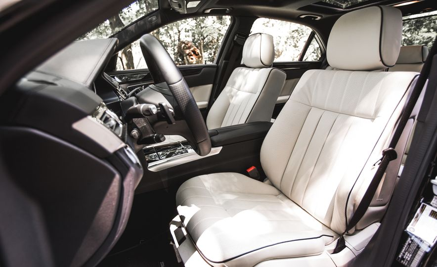 2015 Mercedes-Benz E400 4MATIC - Slide 26