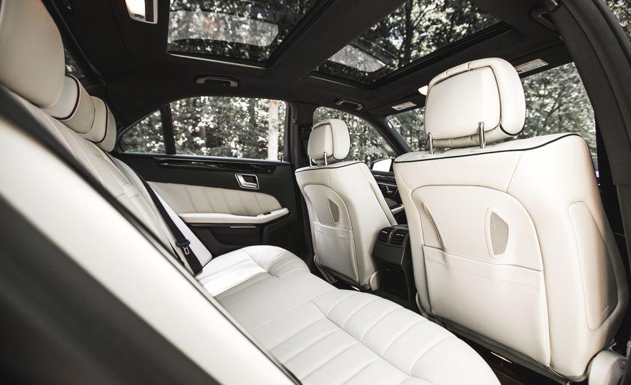 2015 Mercedes-Benz E400 4MATIC - Slide 27