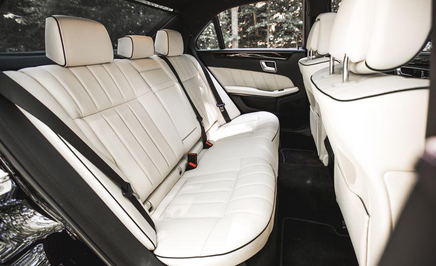 2015 Mercedes-Benz E400 4MATIC - Slide 28