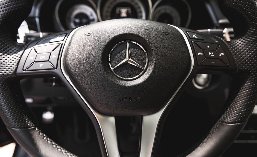 2015 Mercedes-Benz E400 4MATIC - Slide 29