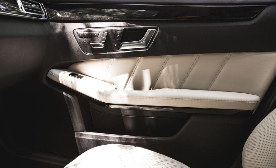 2015 Mercedes-Benz E400 4MATIC - Slide 38