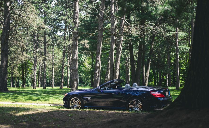 2015 Mercedes-Benz SL63 AMG - Slide 13