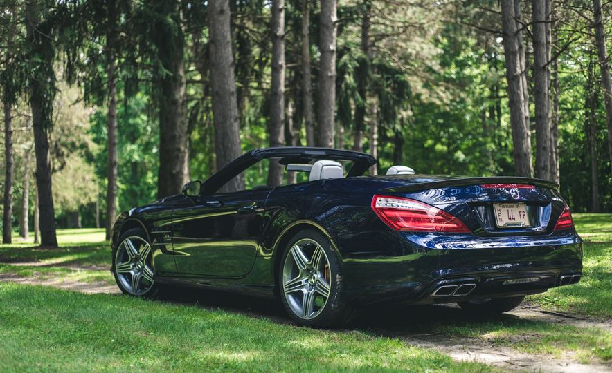2015 Mercedes-Benz SL63 AMG - Slide 14