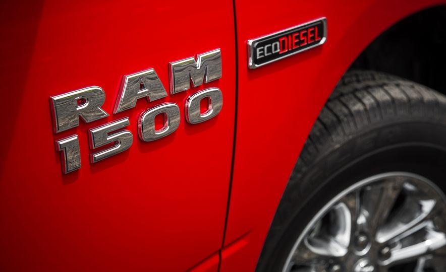 2015 Ram 1500 EcoDiesel 4x4 - Slide 18