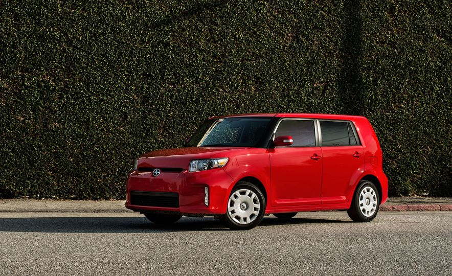 2015 Scion xB - Slide 1