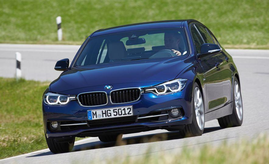 BMW 340i - Slide 4