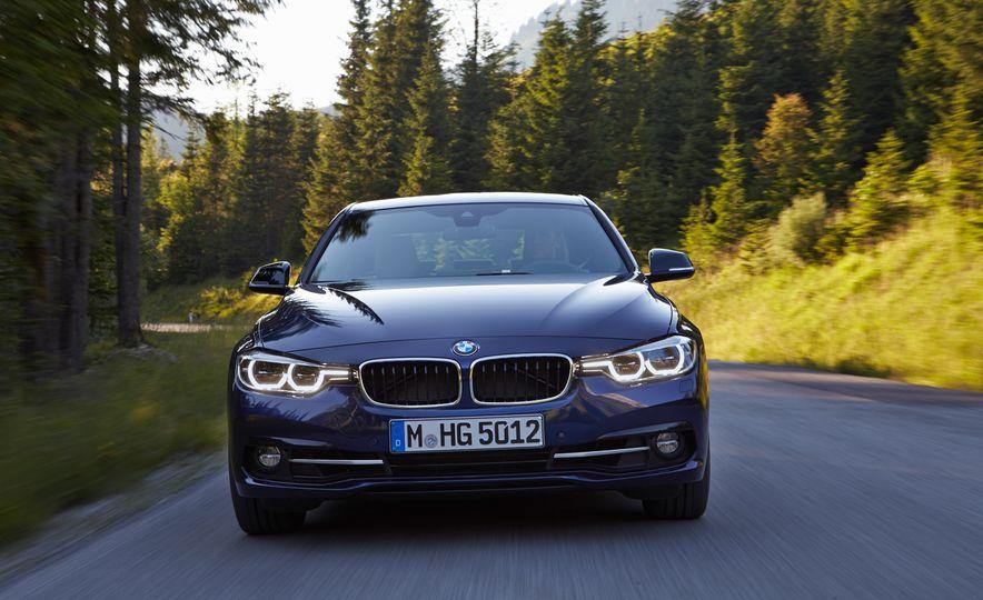 BMW 340i - Slide 5