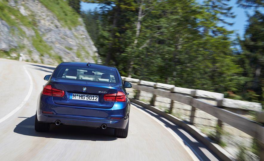 BMW 340i - Slide 8