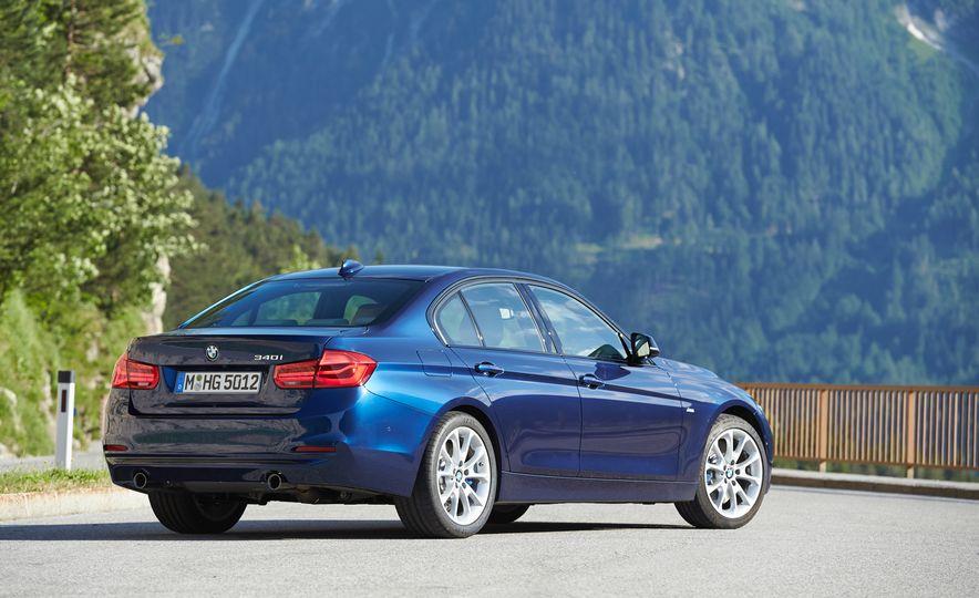 BMW 340i - Slide 12