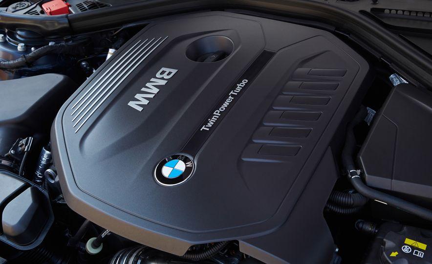 BMW 340i - Slide 21