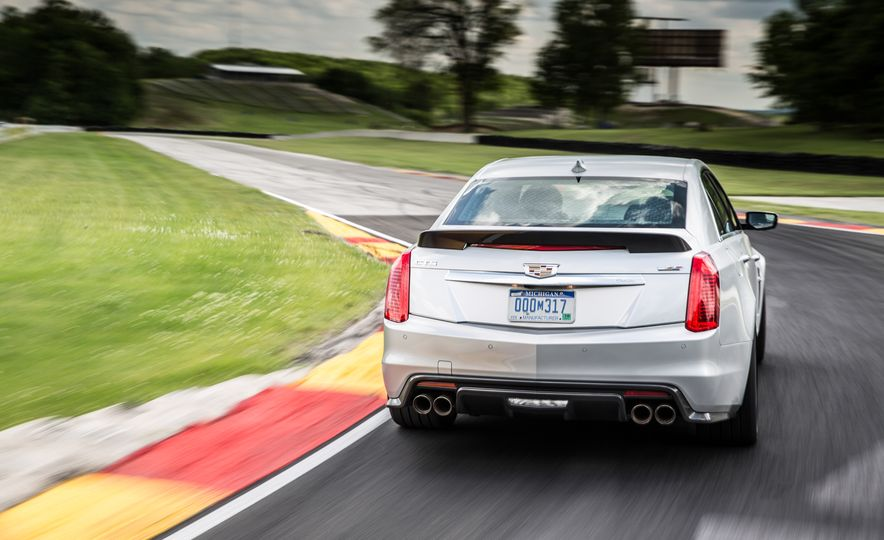 2016 Cadillac CTS-V - Slide 4