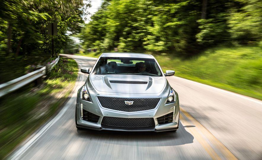 2016 Cadillac CTS-V - Slide 9