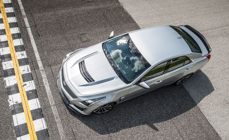 2016 Cadillac CTS-V - Slide 11