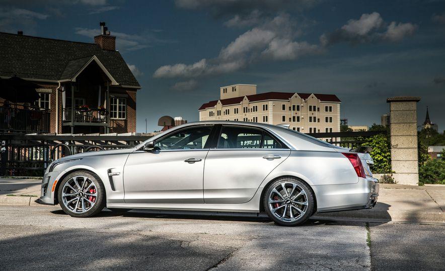 2016 Cadillac CTS-V - Slide 13