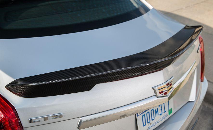 2016 Cadillac CTS-V - Slide 18