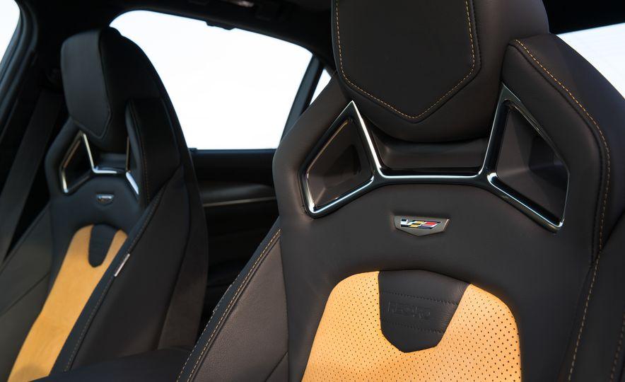 2016 Cadillac CTS-V - Slide 26