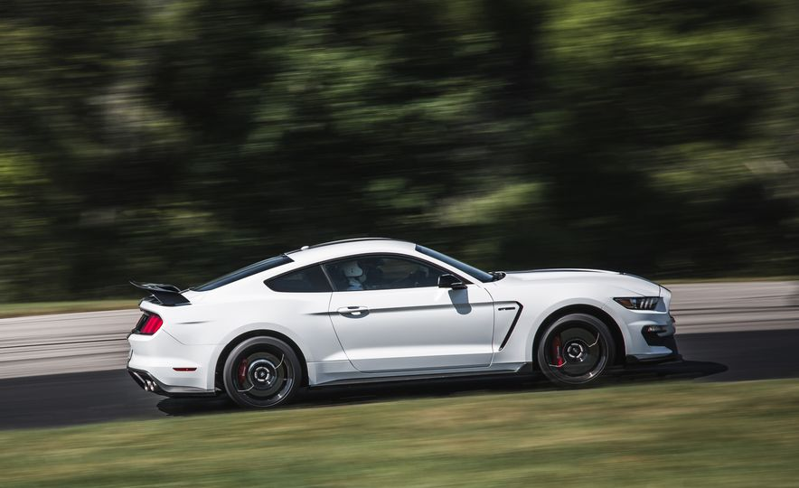 2016 Ford Mustang Shelby GT350Rs - Slide 7