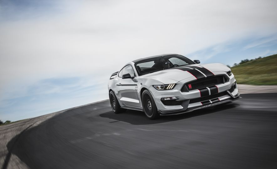 2016 Ford Mustang Shelby GT350Rs - Slide 10