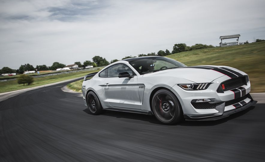 2016 Ford Mustang Shelby GT350Rs - Slide 14