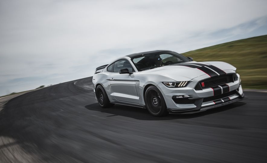 2016 Ford Mustang Shelby GT350Rs - Slide 15
