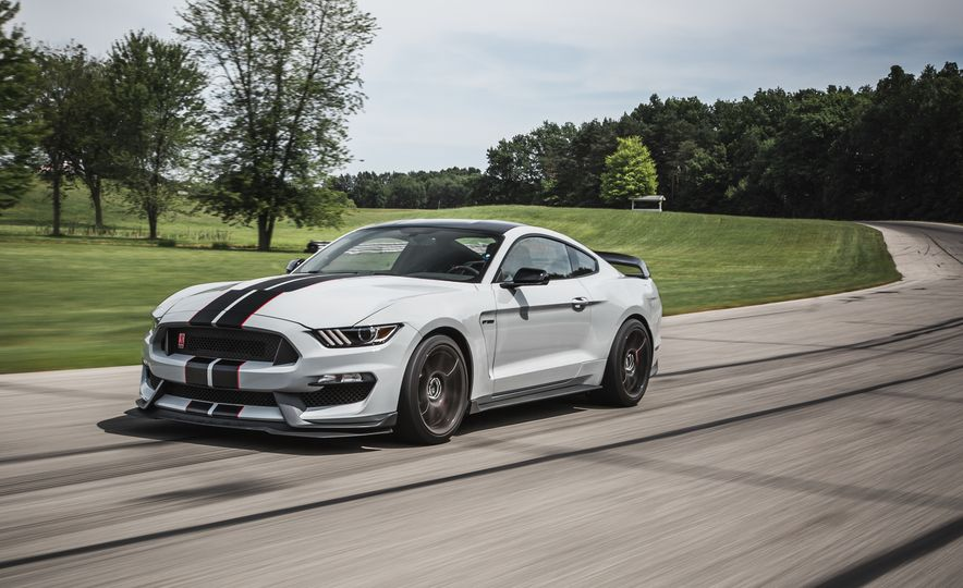2016 Ford Mustang Shelby GT350Rs - Slide 18