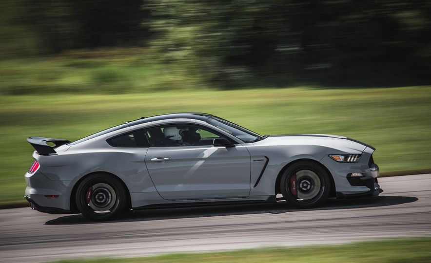 2016 Ford Mustang Shelby GT350Rs - Slide 23