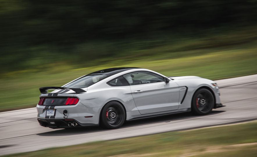 2016 Ford Mustang Shelby GT350Rs - Slide 27