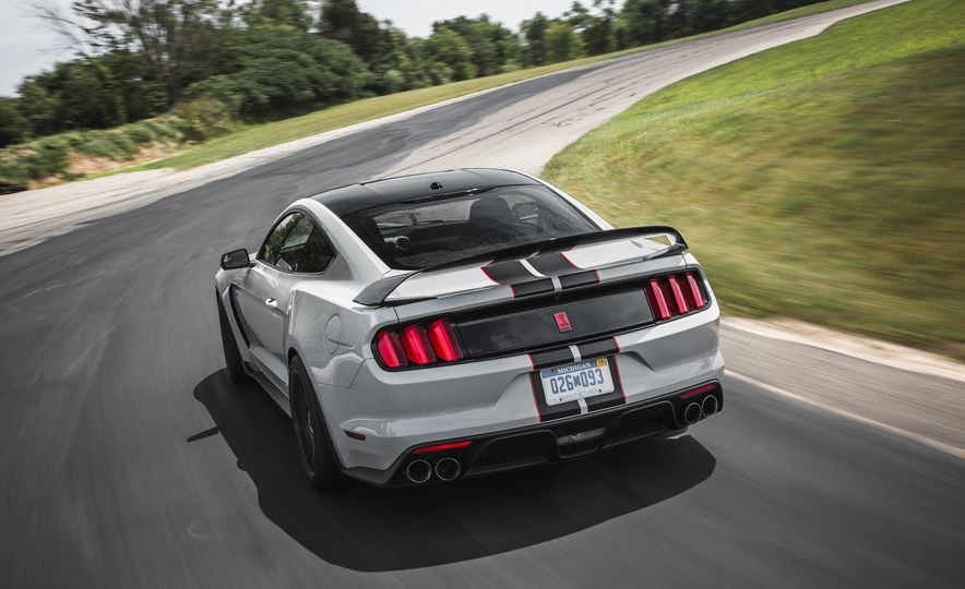 2016 Ford Mustang Shelby GT350Rs - Slide 28