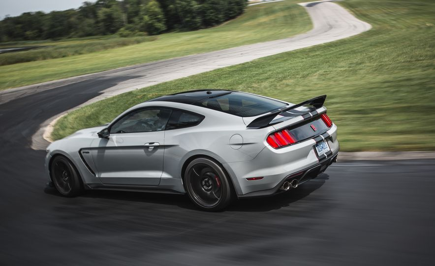 2016 Ford Mustang Shelby GT350Rs - Slide 30