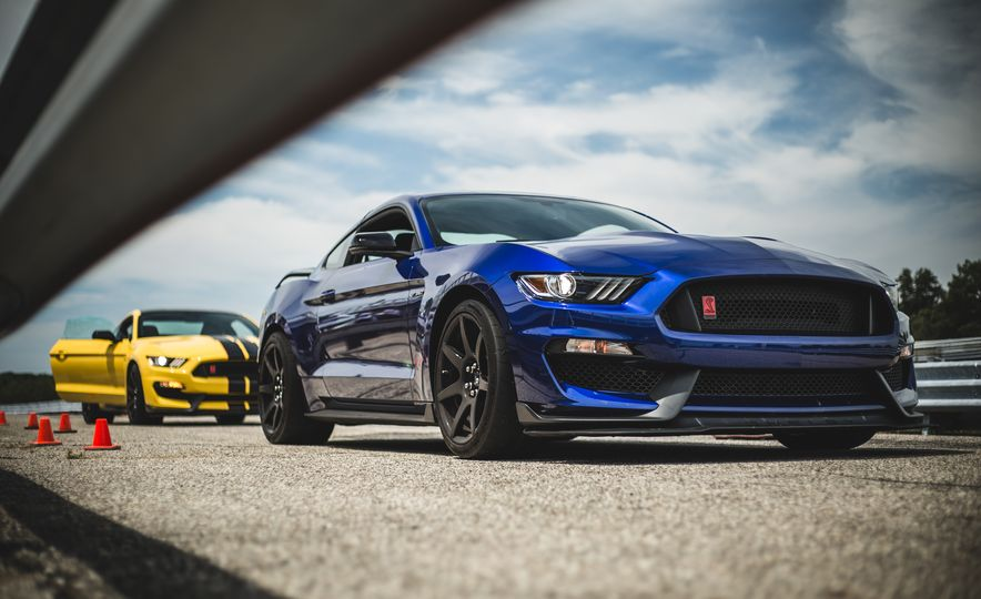 2016 Ford Mustang Shelby GT350Rs - Slide 55