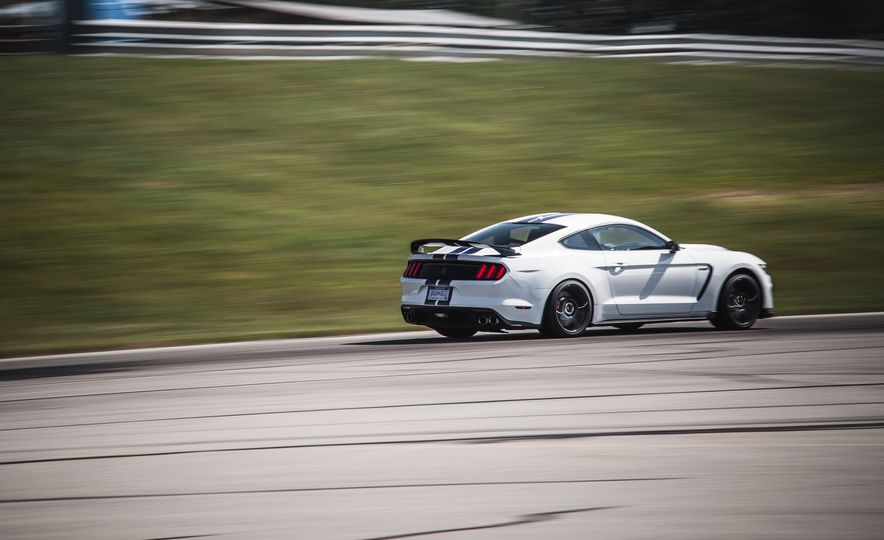 2016 Ford Mustang Shelby GT350Rs - Slide 76