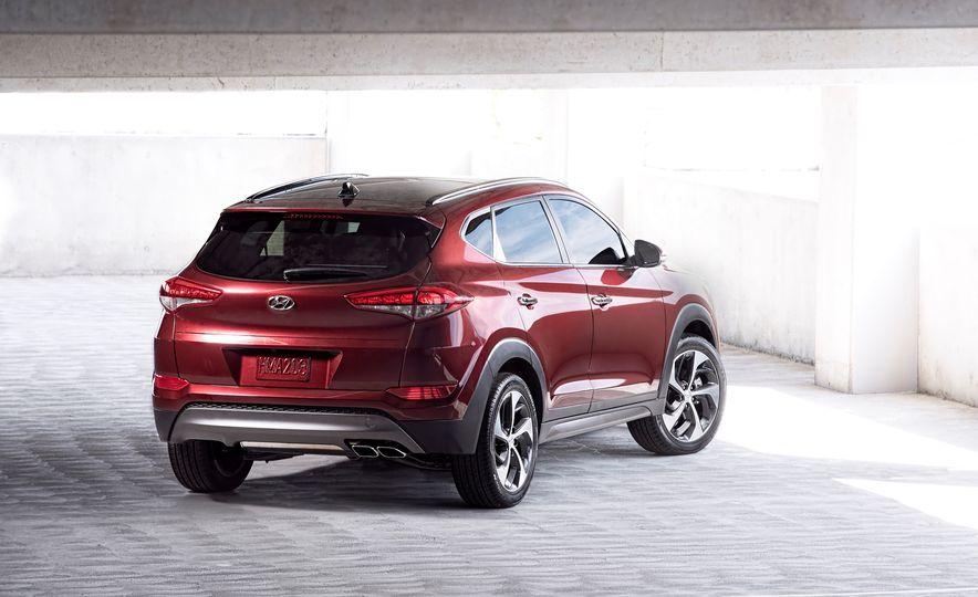 2016 Hyundai Tucson - Slide 10