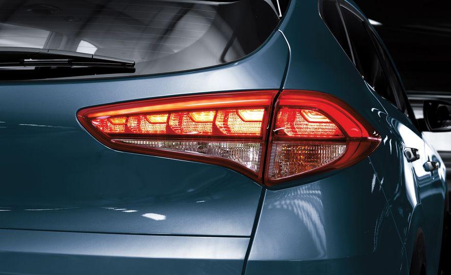 2016 Hyundai Tucson - Slide 20