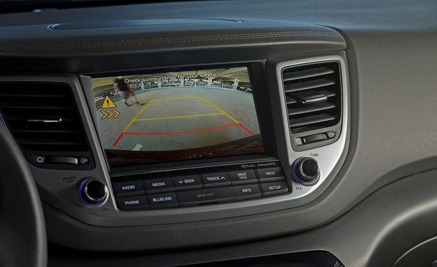 2016 Hyundai Tucson - Slide 28