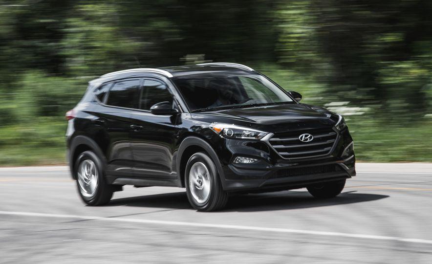2016 Hyundai Tucson 2.0L - Slide 1