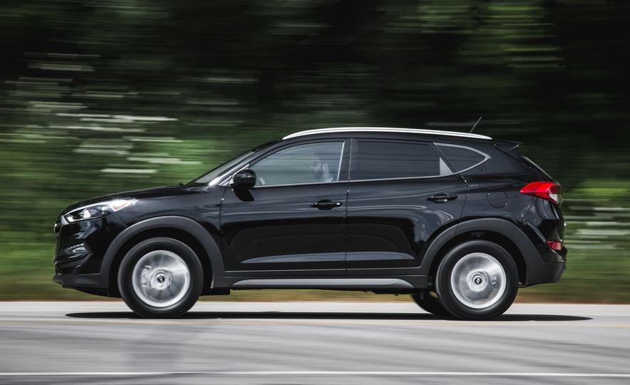 2016 Hyundai Tucson 2.0L - Slide 4