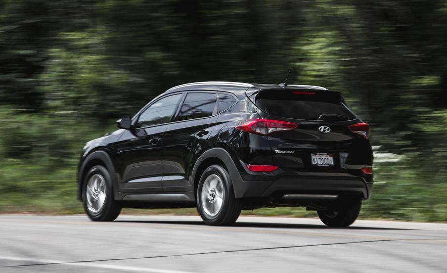 2016 Hyundai Tucson 2.0L - Slide 6